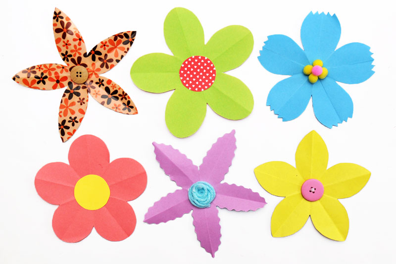 Folding Paper Flowers (5 Petals) craft