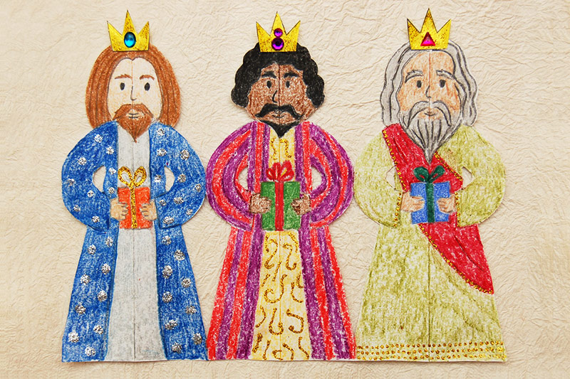 Paper Three Kings Chain craft
