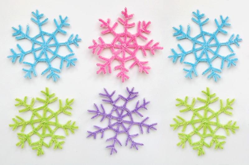 Pipe Cleaner Snowflake craft