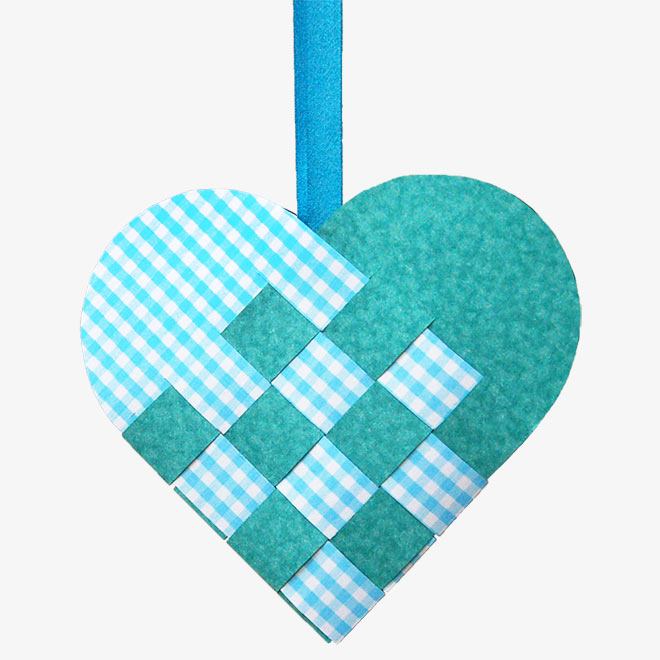 Woven Paper Heart Basket - Blue and White
