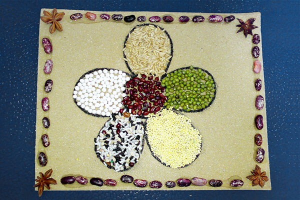 MORE IDEAS - Create a border with seeds.