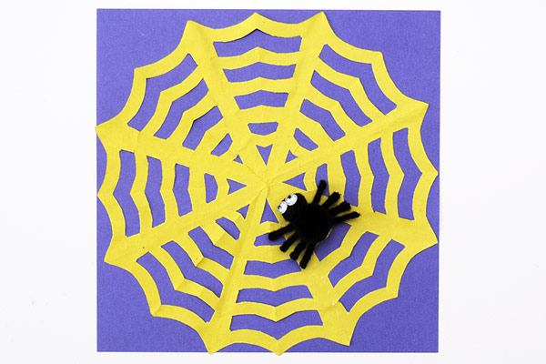 Simple and Playful Spider Web Craft | 400x600