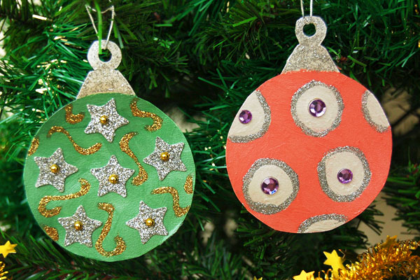 Printable Christmas Tree Ornaments - Color the ornaments with metallic paint.