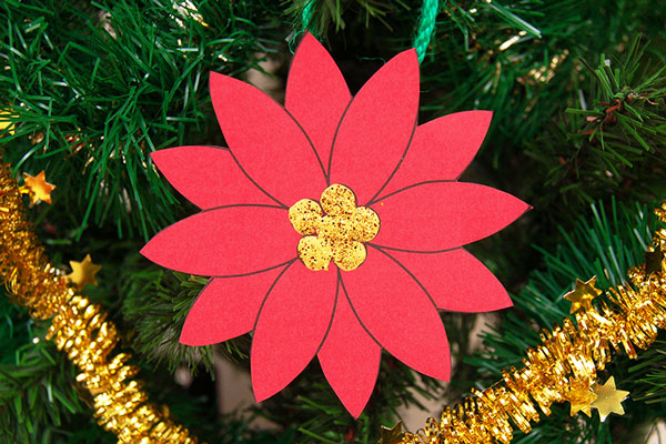 MORE IDEAS - Make easy paper poinsettias.