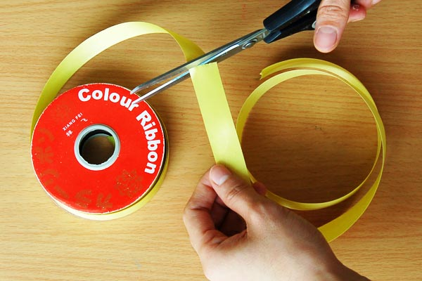 STEP 1 Curling Plastic Ribbons