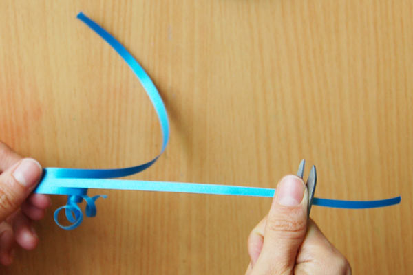 STEP 7 Curling Plastic Ribbons